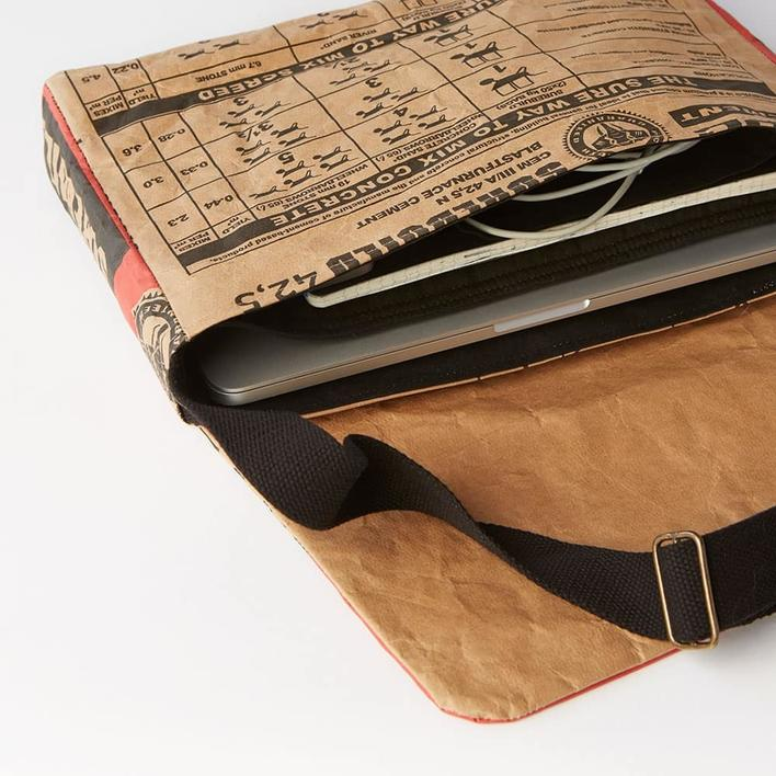 Laptop - recycled materials - shoulder bag