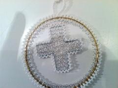 Xmas deco beads - circle with cross