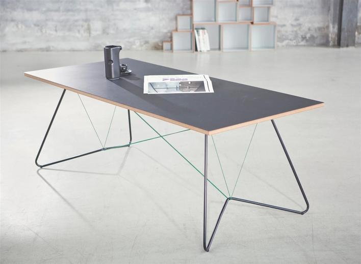 On a string - table - OK Design